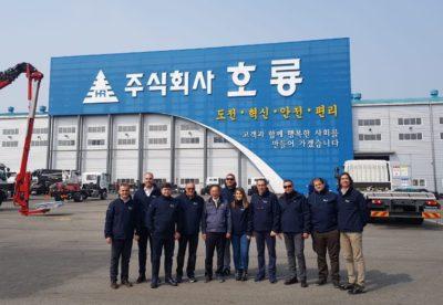 UN REPORT DI RAFA CEREZO, NOSTRO OSPITE IN KOREA PRESSO HORYONG, ALLA SCOPERTA DEGLI ELEVATORI PER TRASLOCHI HORYONG